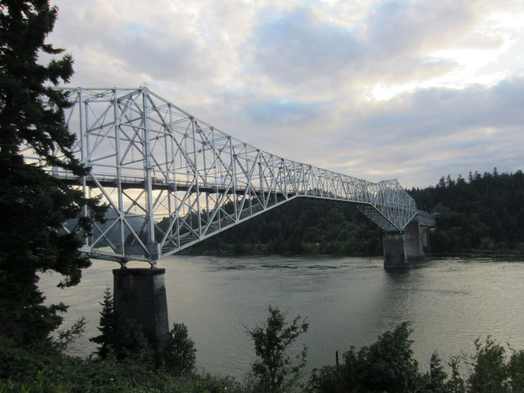 Bridge of the Gods, Cascade Locks, PCT